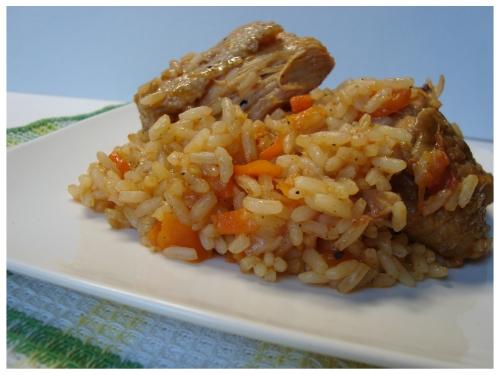 Arroz con pollo (vištiena su ryžiais ispaniškai)